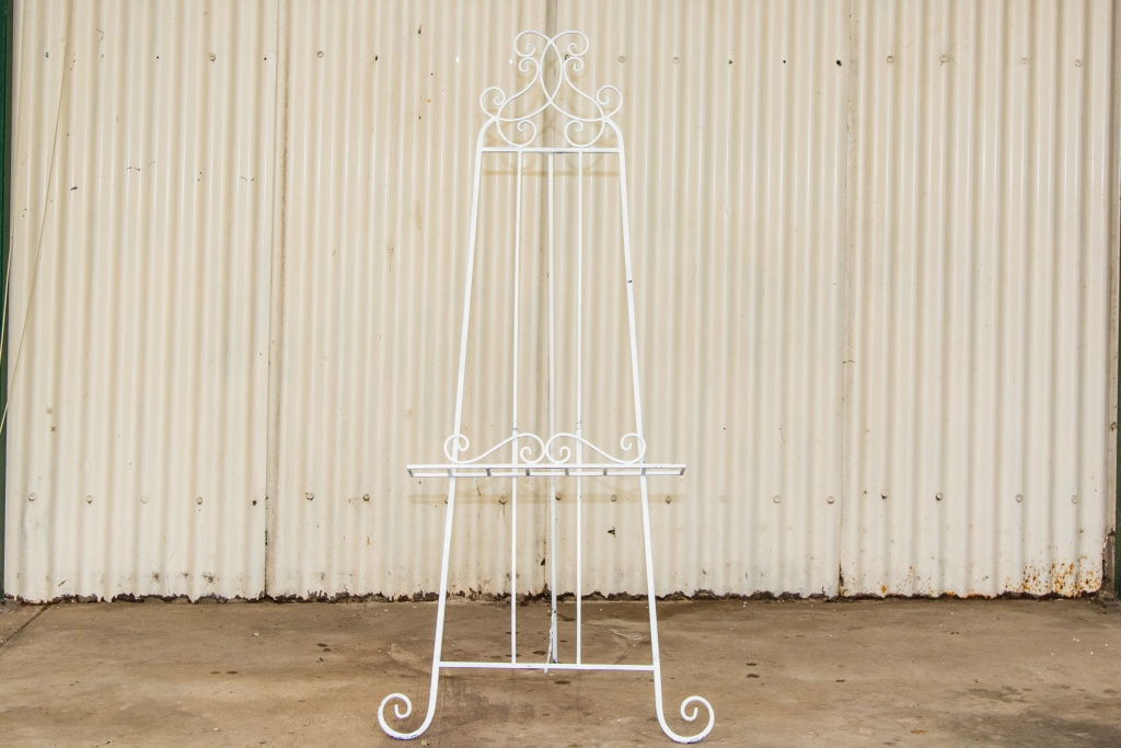 Wider easel $25.00 each