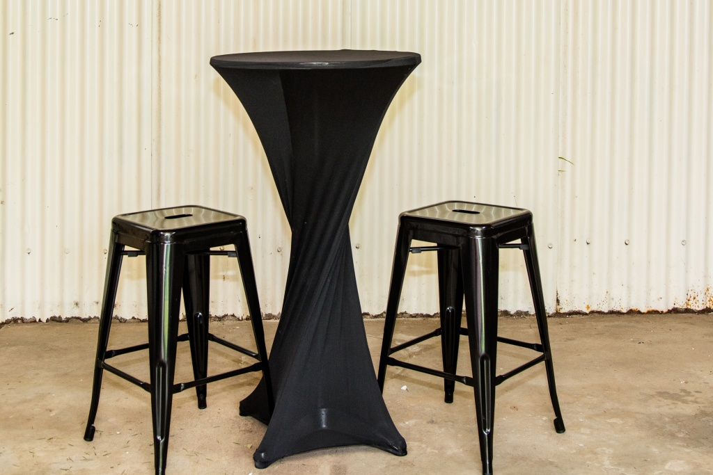 Black cocktail table with black bar stools $40.00 a set