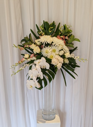 Large deluxe floral arrangement @ Glanville Hall