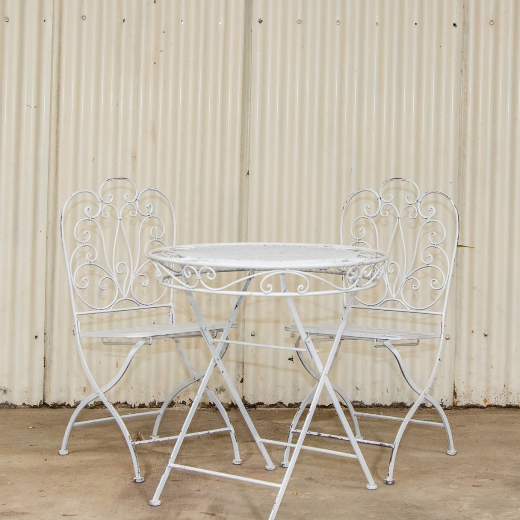 Metal signing table and chairs $35.00