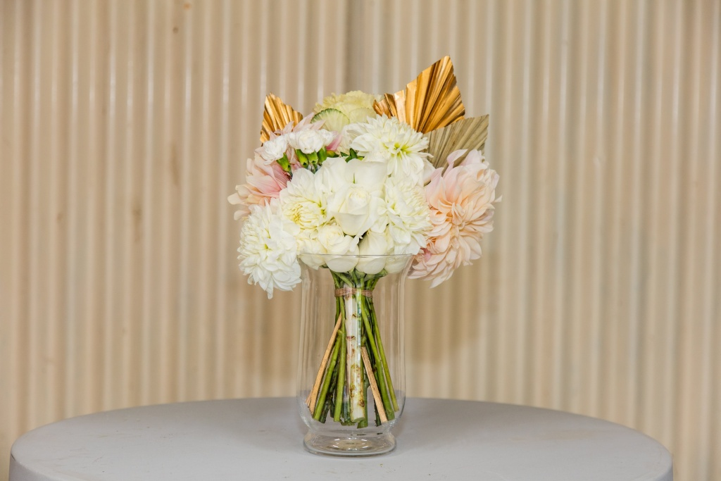 Deluxe seasonal pastel tone bouquet
